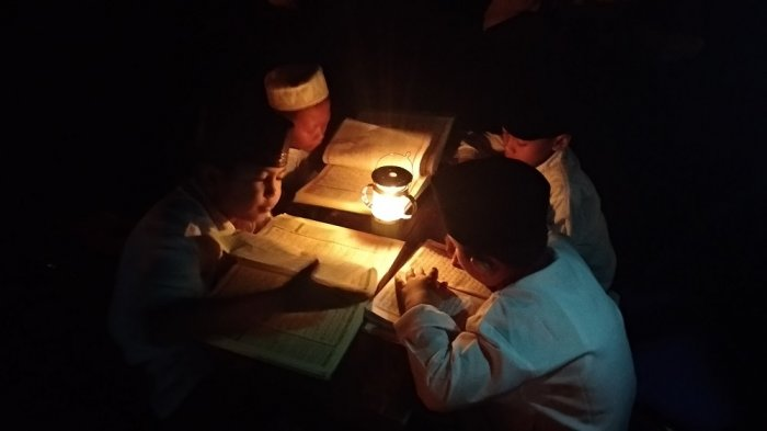 Apakah Perlu Membaca Doa Khusus saat Khatam Alquran di Bulan Ramadhan? Ini Penjelasan Ustaz