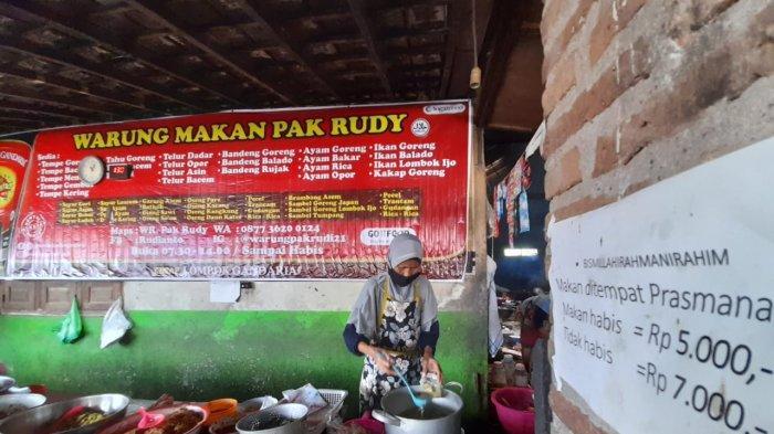 Suasana Warung Rudy di Karanganyar
