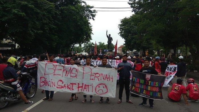 Suporter Ancam Boikot Jika Persis Solo Berkandang di Bekasi