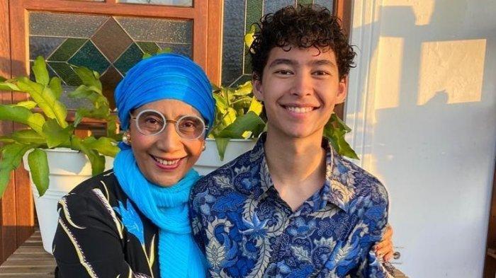 Susi Pudjiastuti dan putranya, Alvy Xavier, merayakan lebaran bersama, Minggu (24/5/2020).