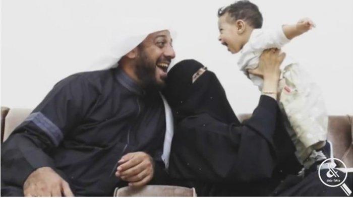 Cerita Syekh Ali Jaber Pernah 2 Tahun Tak Pegang HP, Berkorban karena Tak Ingin Buat Istri Cemburu