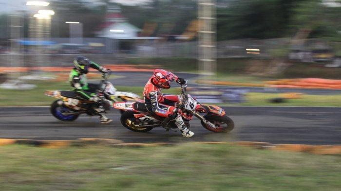 Trio Rider Elit Perancis Panaskan Persaingan Balapan Supermoto Trial Game Asphalt 2019
