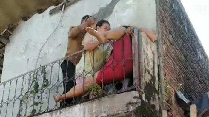 Viral Warga Terjepit Pagar Rumah di Sukoharjo, Ternyata Begini Cerita Sebenarnya