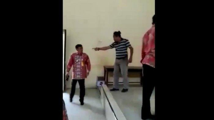 Viral Pria Ngamuk di Kantor Desa, Diduga Depresi Usai Kalah Pilkades, Sebut-sebut Nama Jokowi