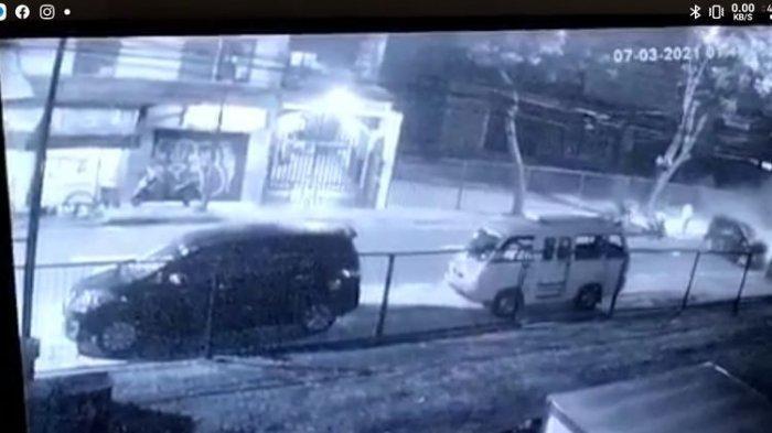 Tabrakan Dua Mobil di Jalan Cipete Raya Jakarta Selatan, Kendaraan Rusak Berat