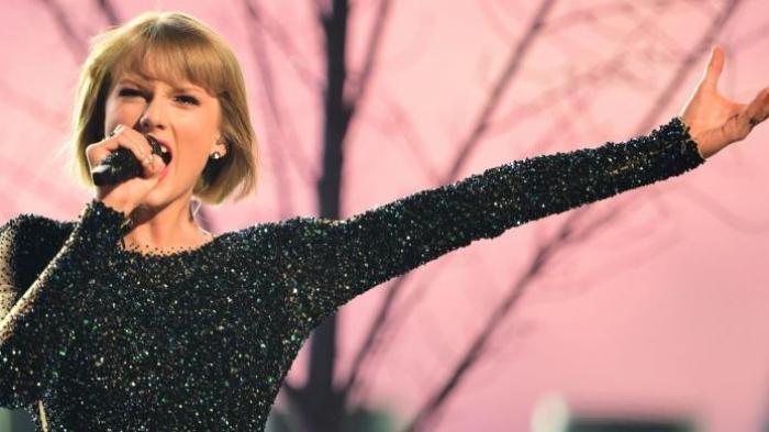 Rumah Taylor Swift Rusak Parah Ditabrak Pencuri Mobil