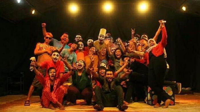 Teater Cek@l Unisri Surakarta Gelar Pentas Produksi Berjudul Simpang Kontak