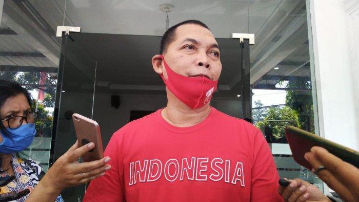 Teguh Tiba Lebih Dulu daripada Gibran Rakabuming diKantor DPC PDIP Solo, Pakai Kaus Merah Indonesia