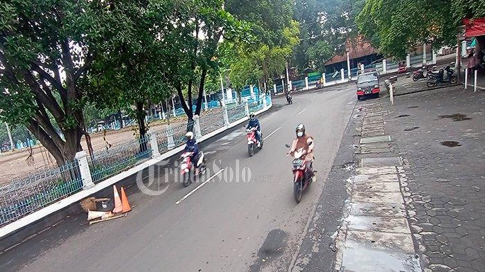 Jalan di Alun-alun Utara Bikin Celaka Pemotor, Warga Lapor ke Gibran, Polisi Pun Surati Keraton Solo
