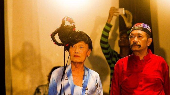 Pelawak Polo Srimulat Dikabarkan Masuk ICU di RS Awal Bros Bekasi, Fotonya Beredar di Media Sosial
