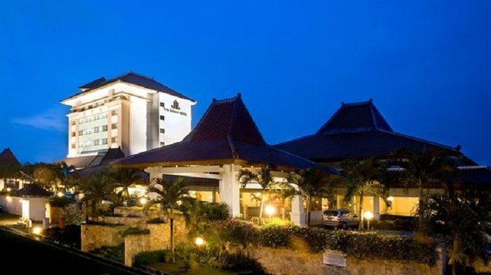 The Sunan Hotel Solo Gelar Upacara Bendera