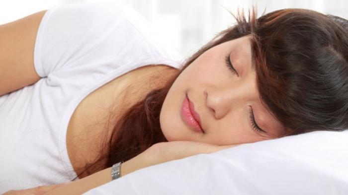 5 Hal yang Harus Kamu Waspadai saat Tidur Setelah Makan, Sakit Perut hingga Berat Badan Naik