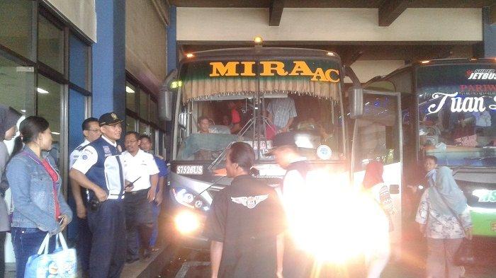 Tim Kemenhub Cek Fisik Armada Bus Lebaran di Terminal Tirtonadi Solo
