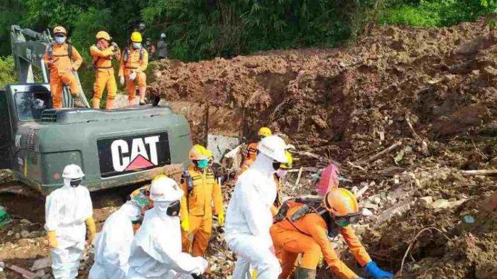 Tim SAR Temukan 2 Korban Tewas Longsoran di Perumahan Pondok Daud, Sumedang