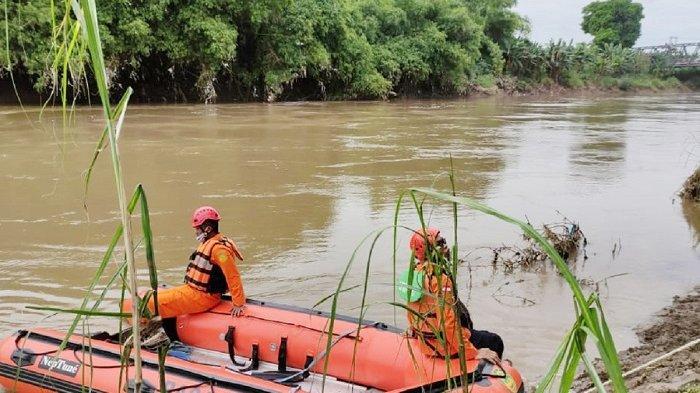 BREAKING NEWS: Pemancing di Sukoharjo Lihat Orang Terjun dari Jembatan, Tim SAR Lakukan Pencarian
