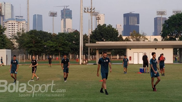 Jelang Bertanding, Timnas U-19 Indonesia dan Qatar Justru Latihan Bersebelahan di Senayan