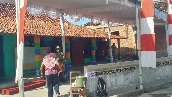 Suasana TPS 007 Cawas, Tempat Calon Bupati Klaten Sri Mulyani Akan Mencoblos