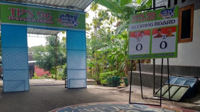 TPS Pilkada di Kampung Nayu, Kadipiro, Solo, Ini Bernuansa Piala Dunia