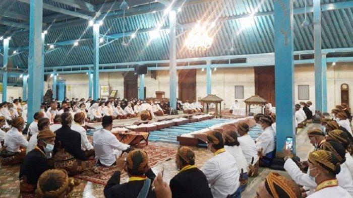 Keraton Solo Masih Berseteru, Tradisi Selikuran Ramadhan Ada Dua, dari Raja PB XIII dan Kubu LDA