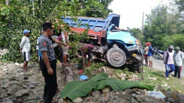 Rem Blong, Truk Tabrak Pondasi dan Pohon Nangka di Weru Sukoharjo, Sopir Langsung Tewas