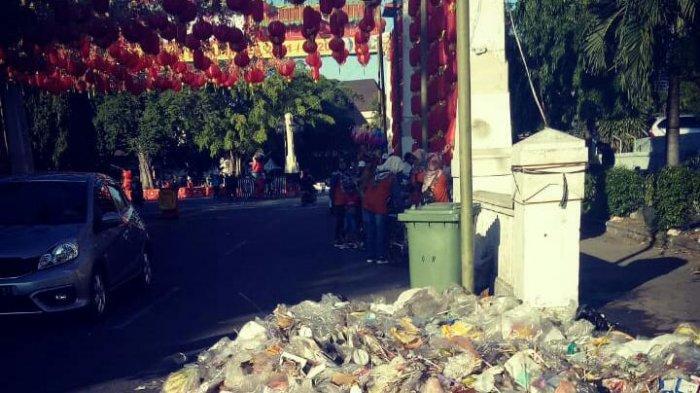 Pengunjung Buang Sampah Sembarangan Selama Perayaan Imlek di Pasar Gede, DPRD Solo Geram