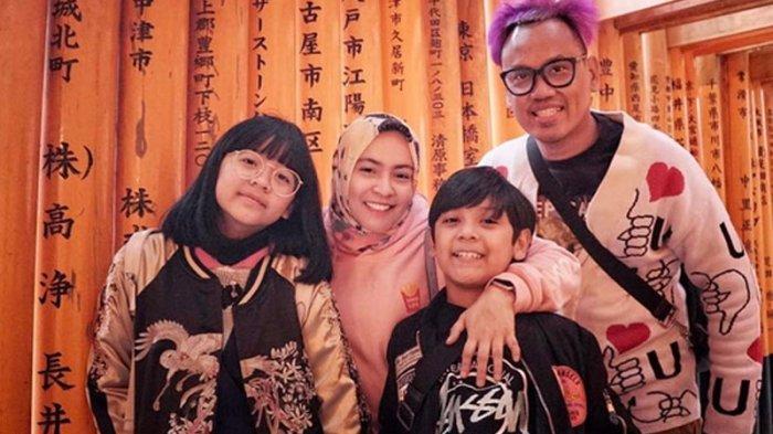 Uya Kuya dan keluarganya