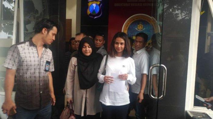 Dari Ranjang Rumah Sakit Bhayangkara Surabaya, Vanessa Angel Memohon Dukungan dan Doa