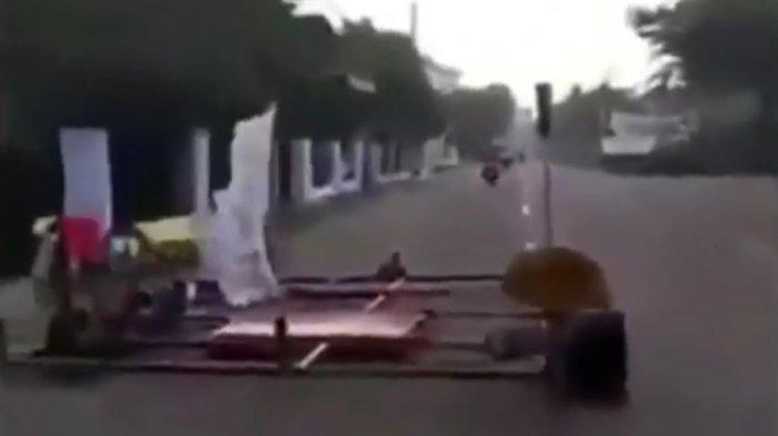 Vespa Selebar Jalan Viral di Medsos, Pengamat Otomotif Sebut Modifikasi Harus Sesuai Aturan