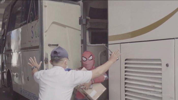 Dukung Larangan Mudik, Pemuda Sukoharjo Rilis Lagu 'Ojo Mudik Disik', Ada Spiderman Gagal Pulkam
