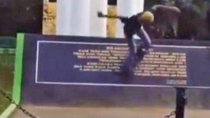 Geger Tugu Pahlawan di Bekasi Dijadikan Lintasan Skateboard, Begini Penjelasan Satpol PP