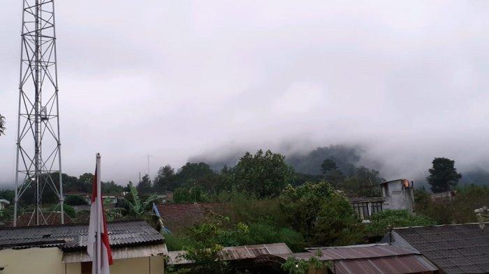 Sabtu Malam,Gunung Merapi Keluarkan Awan Panas Guguran, Cepogo Terdampak Hujan Abu