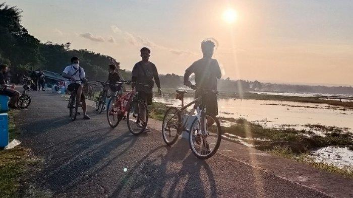 Saat Asyik Gowes di Jalan Raya, Ternyata Banyak Pengguna Sepeda di Sragen Nekat Terobos Lampu Merah