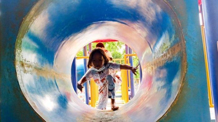 Masih PSBB, Sejumlah Orangtua Ajak Anak Mereka Bermain di Taman Solo: Biar Gak Bosen