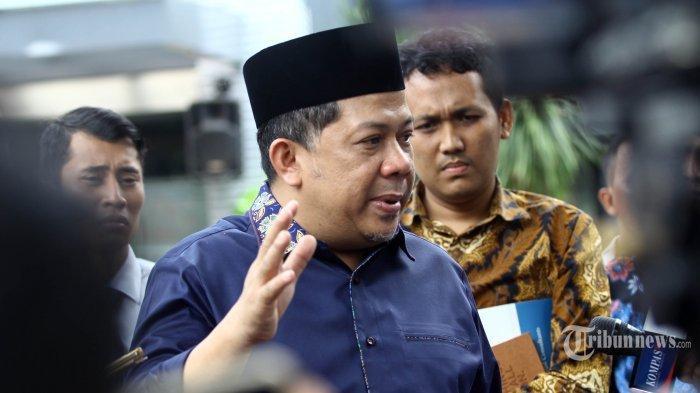 Janji Fahri Hamzah Seusai Mendapat Bintang Tanda Jasa dari Presiden Jokowiyang Sering Dikritiknya