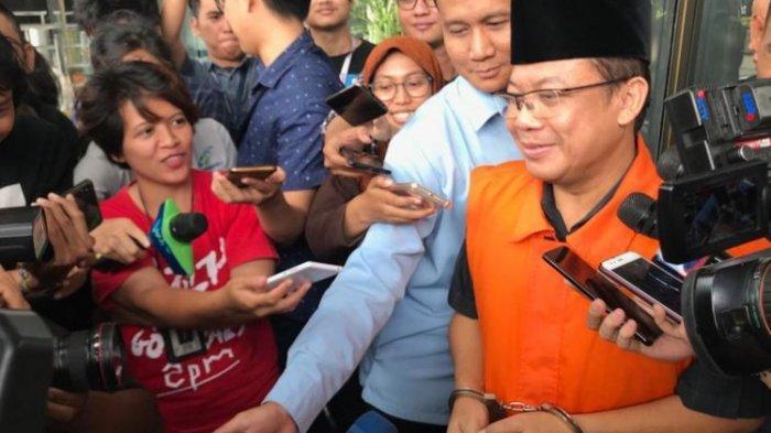 Didakwa Terima Suap Rp 4,8 Miliar dari 2 Bupati di Jateng, Taufik Kurniawan: Kita Ikuti Saja