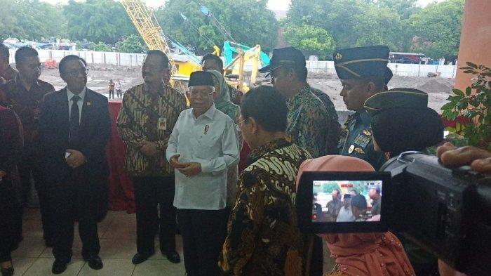 Hanya 20 Menit, Wapres Ma'ruf Amin Tebar Senyum saat Pantau Pasar Klewer Solo