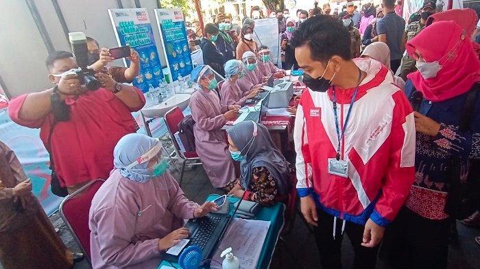 Aksi Gibran Setelah Jabat Wali Kota Solo, Pantau Vaksinasi dan Proyek Molor, Malamnya Ikut Razia PSK