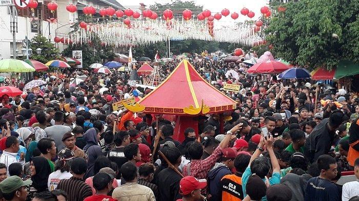 Wali Kota Solo Sebut Kirab Grebeg Sudiro 2019 Lebih Kreatif dari Tahun-tahun Sebelumnya