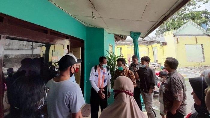 Tempati Tanah PT KAI, Puluhan Warga Kampung Kandangdoro Menolak Digusur, Minta Ganti Rumah