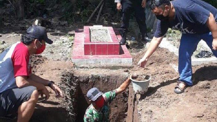 1 PDP Colomadu Meninggal, Kades Gawanan Tegaskan Tak Ada Penolakan, Warga Gotong Royong Gali Makam