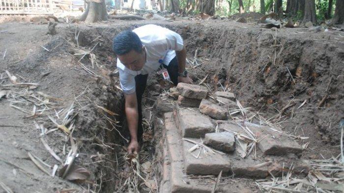 Tumpukan Bata Kuno Ditemukan di Mojokerto, Diprediksi Peninggalan Majapahit Abad ke-15