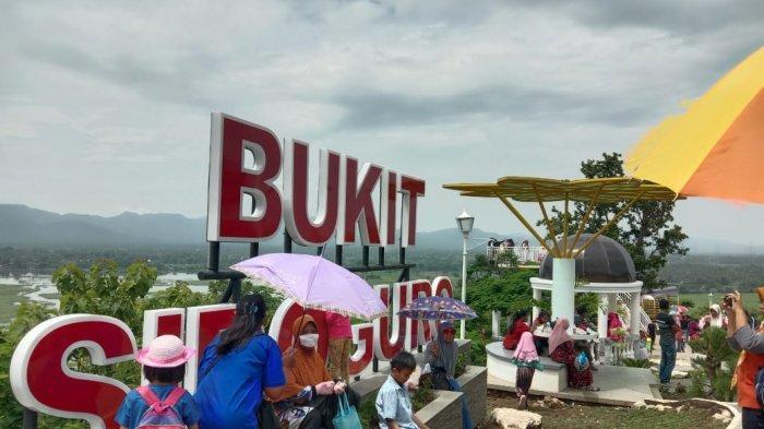 Bupati Klaten Sri Mulyani Janji Buat Kereta Gantung di Bukit Sidoguro yang Mengelilingi Waduk Jombor