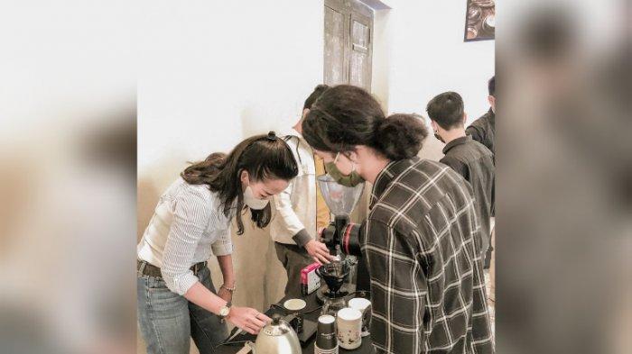 Peserta saat mengikuti workshop C&L Coffee, Selasa (23/2/2021)