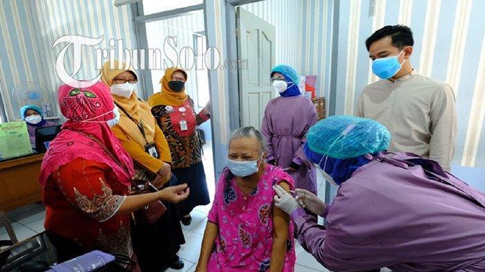 Meskipun Sudah 117 Persen, Gibran Ungkap Ternyata Ada Warga Solo Ogah Disuntik Vaksin Covid-19