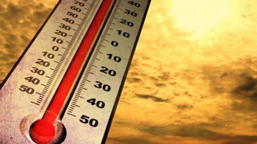 cuaca-panas-di-solo.jpg