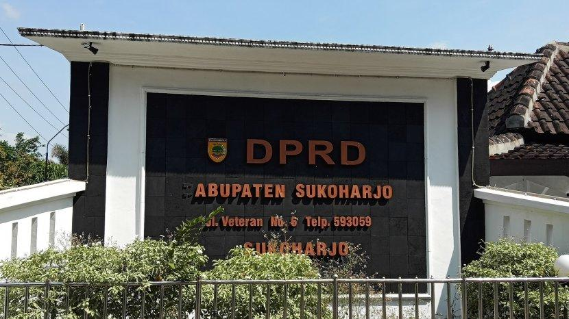 kantor-dprd-kabupaten-sukoharjo.jpg