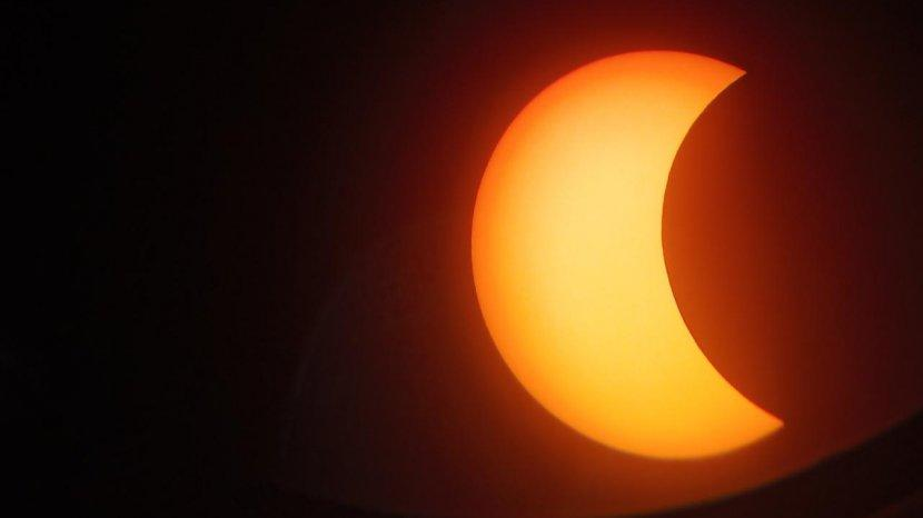 penampakan-gerhana-matahari-cincin-sebagian-dari-assalam-observatory-kamis-26122019.jpg
