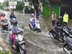 air-banjir-menggenangi-jalur-pantura-tirto-kota-pekalongan-jawa-tengah.jpg