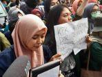 aksi-ratusan-mahasiswa-dari-badan-eksekutif-mahasiswa-seluruh-indonesia.jpg