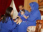 aliya-rajasa-saat-sungkem-dengan-ani-yudhoyono-dan-susilo-bambang-yudhoyono.jpg
